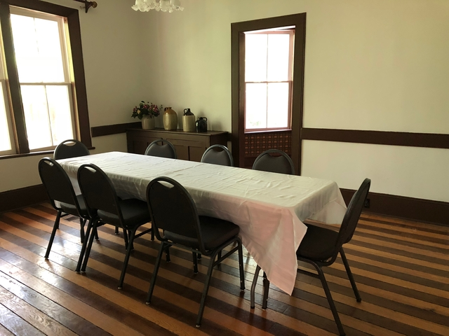 Image of table and chairs in Woodchester Dining Room