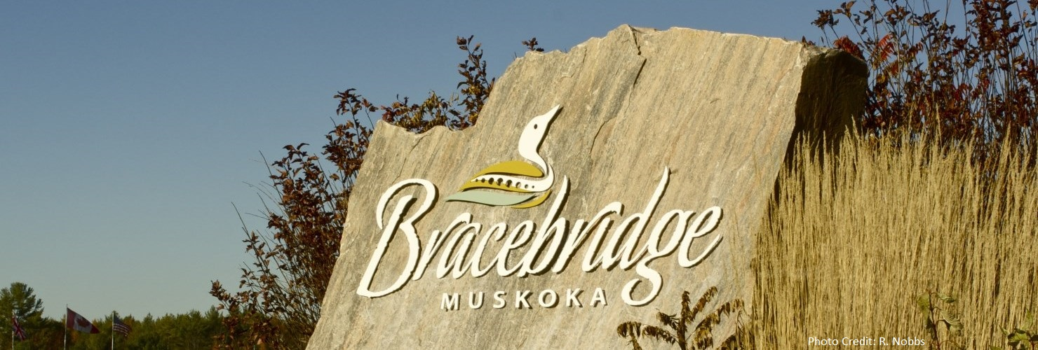 Image of Highway Welcome to Bracebridge Sign